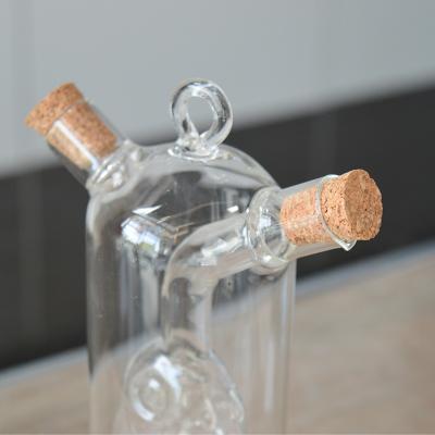 Huilier Vinaigrier en verre avec poisson soufflé (4)