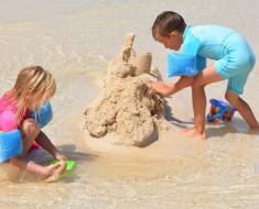 enfants jeux plage