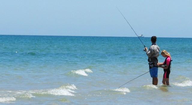 """La pêche : un loisir de plus en plus """"tendance"""" ! cellent pour votre santé ! - cellent pour votre santé ! - © mikecogh - Licence CC"""