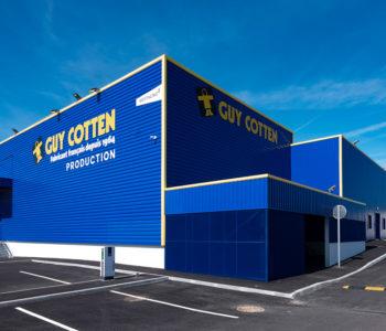 La nouvelle usine Guy Cotten, à Trégunc, Finistère