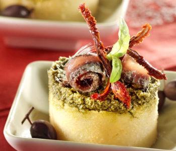 galette de polenta au pistou et aux anchois