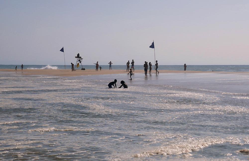 baïne : plage surveillée en Aquitaine